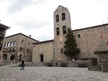 Iglesia de Santa María de n´Hug del siglo XII.