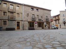 Plaza de la iglesia de Santa María de n´Hug.