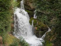 Una de las cascadas de las fuentes del Llobregat.