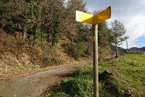 Palo indicador R177, camino al Mas Lladré.