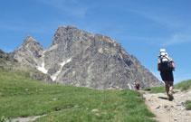 Desde el collado de Soum de Pombie gozamos de una bonita vista del Midi y del refugio de Pombie.