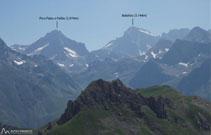 Al E el pico Palas y el pico Balaitús.