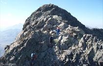 Última trepada para llegar finalmente a la cima del Midi d´Ossau.