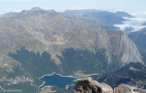 Vistas del lago de Bious-Artigues desde la cima.