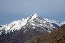 Vistas al Tuc del Caubo (2.570m), situado en el N, sobre Tavascan.