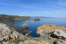 Isla de Portaló desde el mirador de Pamperris.