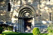 Portal de la iglesia de Sant Feliu.
