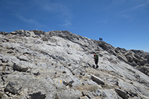 Llegando a la cima de la Grallera.