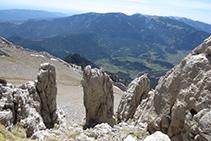 Antes de llegar a la Enforcadura, unas rocas con formas curiosas nos sorprenden.