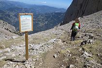 Empezando a bajar por la <i>tartera</i> del Pedraforca, conocida también como <i>tartera</i> de Saldes.