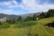 Sierra de la Tossa y, al fondo, el Cadí.