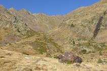 Enlace del GR 11 con el camino al refugio de Comapedrosa.