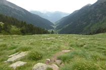 Bajando hacia el valle de Ransol.