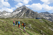 Llegando al refugio de Rulhe, que está situado justo a los pies del pico de Rulhe.