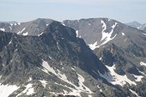El Pico y el Cilindro de Escobes desde la Punta Sur del pico de Rulhe.