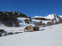 Estación de esquí de Mijanes desde donde distinguimos algunos de los picos que subiremos.