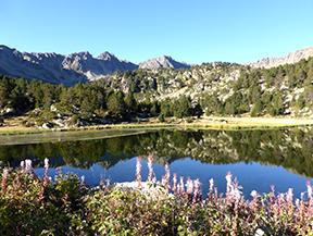 Pico de Montmal�s (2.781m) y circo de los Colells