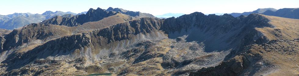 Pico de Montmalús (2.781m) y circo de los Colells