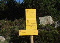 Unos paneles nos indican el camino a seguir para ascender al Carlit y para realizar varios paseos por sus lagos.