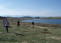 Dejamos atrás el lago Llat.