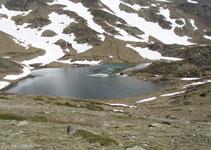 Dejamos atrás el lago Sobirá.