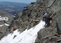 La nieve suele estar presente hasta bien entrada la temporada de buen tiempo.