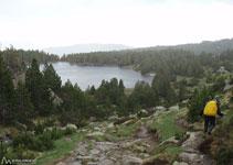 Hacia el lago del Viver.