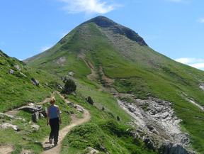 Pico Arlas (2.044m) desde el collado de la Piedra de San Mart�n