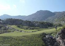 Perspectiva del recorrido y camino de regreso tras superar la brecha de Arcalís y pico de Arcalís.