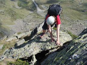 Pico de Cataperd�s (2.806m) y pico de Arcal�s (2.776m)