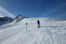 """Bordeamos la pista de esquí """"La panoramique""""."""