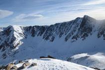 """Pico de Fontfreda y pico de las Valletes con la cresta que les une conocida con el nombre de """"Els Orriets""""."""