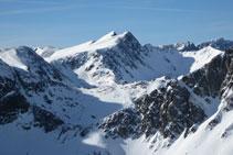 Pico Negre d´Envalira y pico de Envalira.