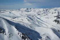 Vistas de las montañas de Andorra.
