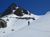 El pico de Regalecio, una preciosa aguja que se alza imponente por encima de la Portella de Siscar.