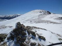 Desde la antecima del Nérassol (cota 2.594m) ya podemos ver, al E, el pico de Nérassol.