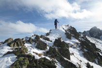Llegando a la cima del pico de Pedrons.