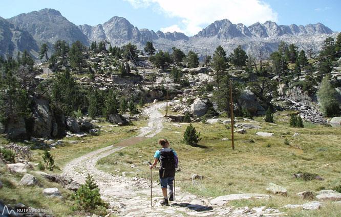 Pico de Peguera (2.983m) y pico de Monestero (2.877m) 1
