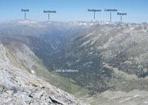 Diferentes excursiones nacen del fondo del valle de Vallibierna.