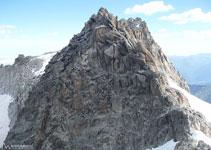 Desde el pico Abadías, mirando atrás, vemos el flanqueo que hemos realizado para llegar al collado.