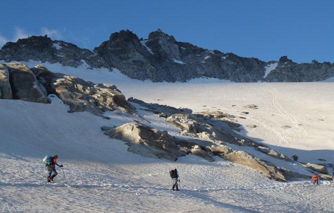 Maladeta Oriental (3.308m) y pico Abadías (3.271m) por la Renclusa 2