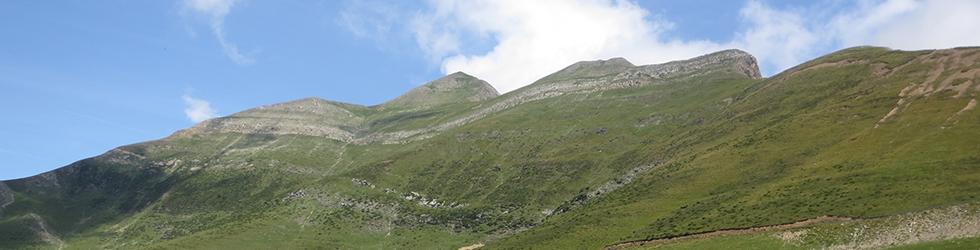 Pico Ori (2.017m) desde el puerto de Larrau