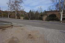 Cruzamos la carretera C-26.