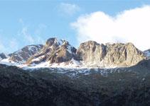 Delante nuestro vemos la sierra de Llardana.