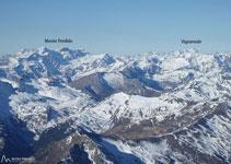 Mirada al O, con el Monte Perdido a la izquierda y el Vignemale al fondo a la derecha.