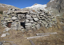 Cabaña de piedras.