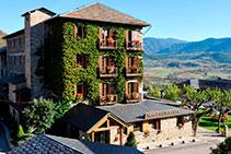 Hotel Muntanya, en el centro de Prullans.