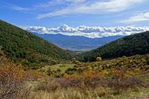 Vistas a la Tosa d´Alp y la sierra de Moixeró.