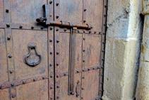 Detalle de la puerta de Sant Llorenç.