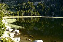 Lago Sec, situado muy cerca del refugio de Malniu.